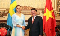 胡志明市领导人会见瑞典女王储维多利亚·英格丽德·爱丽丝·黛西蕾
