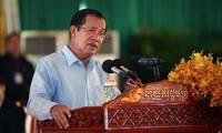 柬埔寨首相洪森谴责新加坡总理李显龙就越柬关系发表的言论