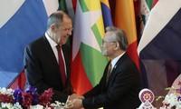 越南出席东盟-俄罗斯外长会议和东盟-新西兰外长会议