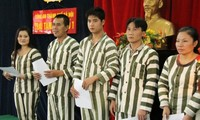 386 nara pidana mendapat remisi sehubungan dengan Hari Raya Tet