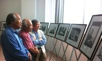 Pameran foto Dien Bien masa lampau dan masa kini dan beberapa gambar tentang Jenderal Vo Nguyen Giap