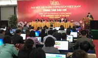 Jumpa pers tentang Kongres Nasional ke-12 Partai Komunis Vietnam
