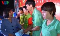 Kota Ho Chi Minh memberikan kira-kira 2.800 bingkisan kepada para pekerja yang tak bisa pulang kampung menyongsong Hari Raya Tet