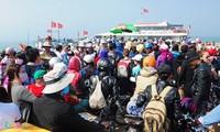 Kira-kira 4 ribu wisatawan berkunjung di kabupaten pulau Ly Son, provinsi Quang Ngai pada awal tahun