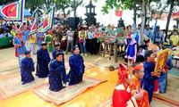 Kabupaten pulau Ly Son mengadakan acara jamuan dan pergantian prajurit Hoang Sa