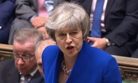 Brexit : Theresa May surmonte la motion de censure sur le fil