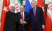 Poutine veut accueillir un sommet Russie-Turquie-Iran sur la Syrie