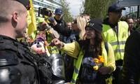 Gilets jaunes: faible mobilisation après les annonces de Macron