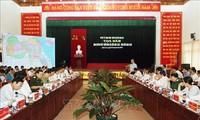 Vuong Dinh Huê à la table ronde sur les orientations de développement de Nghi Lôc