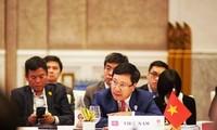 Pham Binh Minh aux conférences de l'ASEAN à Bangkok