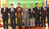 ASEAN-Außenminister sprechen sich für eine ASEAN-Gemeinschaft aus
