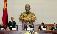 Premier Dung tagt mit Vertretern der vietnamesischen Frauenunion