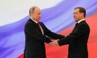Neuer Präsident Putin schlägt Medwedew als Premierminister vor