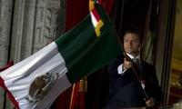 Mexiko: Parade zum 204. Nationalfeiertag