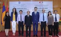Freundschaftsaustausch zum Nationalfeiertag Vietnams und Armeniens