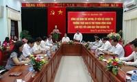 Politbüromitglied Dinh The Huynh tagt mit der Provinz Quang Tri