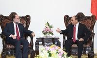 Nguyen Xuan Phuc trifft Professor Hausmann von der Harvard Universität