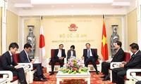 Minister für öffentliche Sicherheit To Lam trifft Japans Botschafter in Vietnam