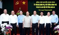Premierminister Nguyen Xuan Phuc: Long An soll Wirtschaftsumstrukturierung fördern