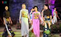Berühmte vietnamesische Schauspieler versammeln sich beim Ao Dai-Festival Hanoi