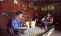 Das Flechten der Rückenkörbe im Leben der Volksgruppe der K'Ho