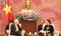 Nguyen Thi Kim Ngan empfängt den Vorsitzenden des Streitkräfteausschusses im US-Senat