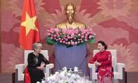 Parlamentspräsidentin Nguyen Thi Kim Ngan empfängt UNESCO-Generaldirektorin Irina Bokova