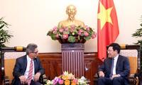 Pham Binh Minh empfängt El Salvadors Vizeaußenminister