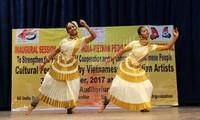 Eröffnung des Freundschaftsfestivals der vietnamesischen und indischen Völker