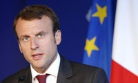 Frankreichs Präsident unterzeichnet umstrittenes Anti-Terror-Gesetz