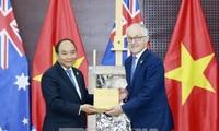 Premierminister Nguyen Xuan Phuc trifft Staats- und Regierungschefs der APEC-Wirtschaften