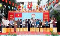 Festtag der nationalen Solidarität in Provinzen