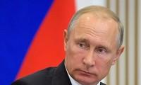 Russlands Präsident Putin offiziell als Kandidat registriert