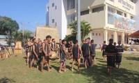 Mehr als 100 Meister nehmen am Frühlingsfest der Volksgruppen in Gia Lai teil