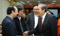 Truong Hoa Binh beglückwünscht Ärzte der nationalen Zahn- und Kieferklinik