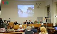 Seminar über Erneuerungserfolgen Vietnams in Tschechien