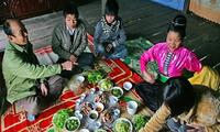 Die spirituelle Kultur beim Essen der Volksgruppe der Thai im Nordwesten Vietnams