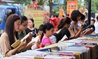 Eröffnung der ersten Bücherstraße in der Stadt Hue