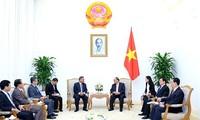 Premierminister Nguyen Xuan Phuc trifft den Leiter des Personalkomitees von LRVP