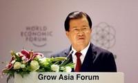 Vizepremierminister Trinh Dinh Dung nimmt am Forum über Asiens Wachstum teil