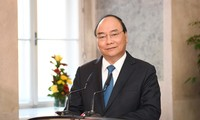 Premierminister Nguyen Xuan Phuc besucht die IMC Fachhochschule Krems
