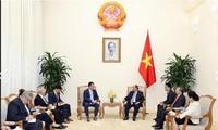 Nguyen Xuan Phuc empfängt den rumänischen Minister