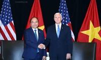 Premierminister Nguyen Xuan Phuc trifft US-Vizepräsident Mike Pence