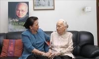 Die Parlamentspräsidentin verehrt ehemalige Partei- und Staatschefs