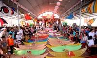 Drachen-Festival im Dorf Ba Duong Noi