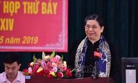 Ständige Vizeparlamentspräsidentin Tong Thi Phong trifft Wähler in Son La