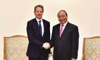 Premierminister Nguyen Xuan Phuc empfängt den Ex-US-Finanzminister und Kronzprinzessin von Schweden