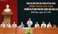 Premierminister Nguyen Xuan Phuc trifft Wähler in Haiphong