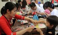 Aktivitäten für Kinder im Kultur- und Tourismusdorf der vietnamesischen Volksgruppen
