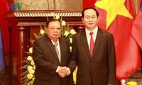 陈大光会见老挝人民革命党中央总书记、国家主席本扬·沃拉吉